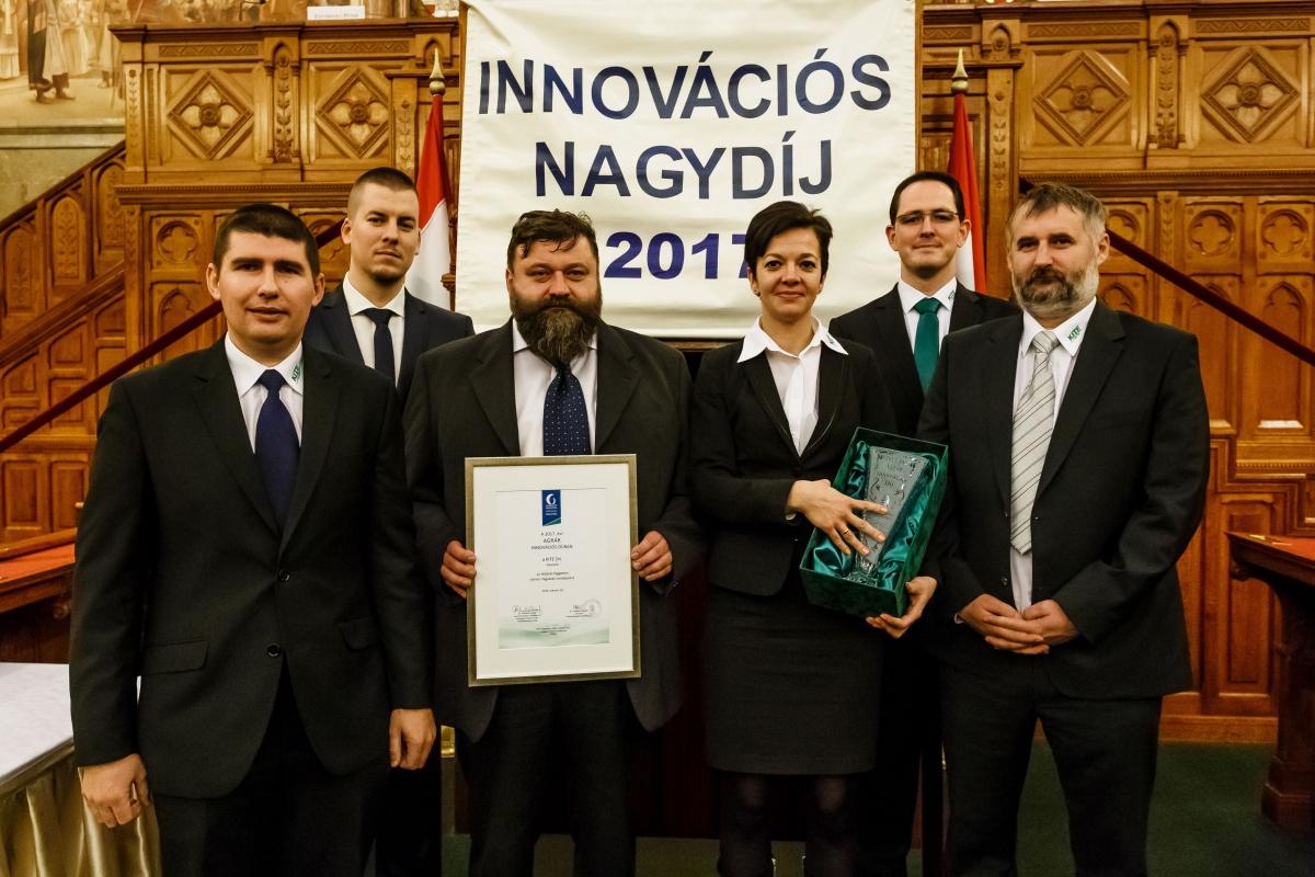 A díj elnyeréséért tevékenykedő kollégák