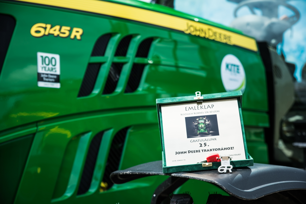 Kozsuch Kornél 25. John Deere traktora