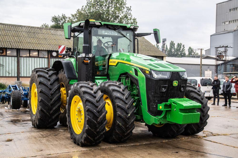 traktorbmutató az egyetemen